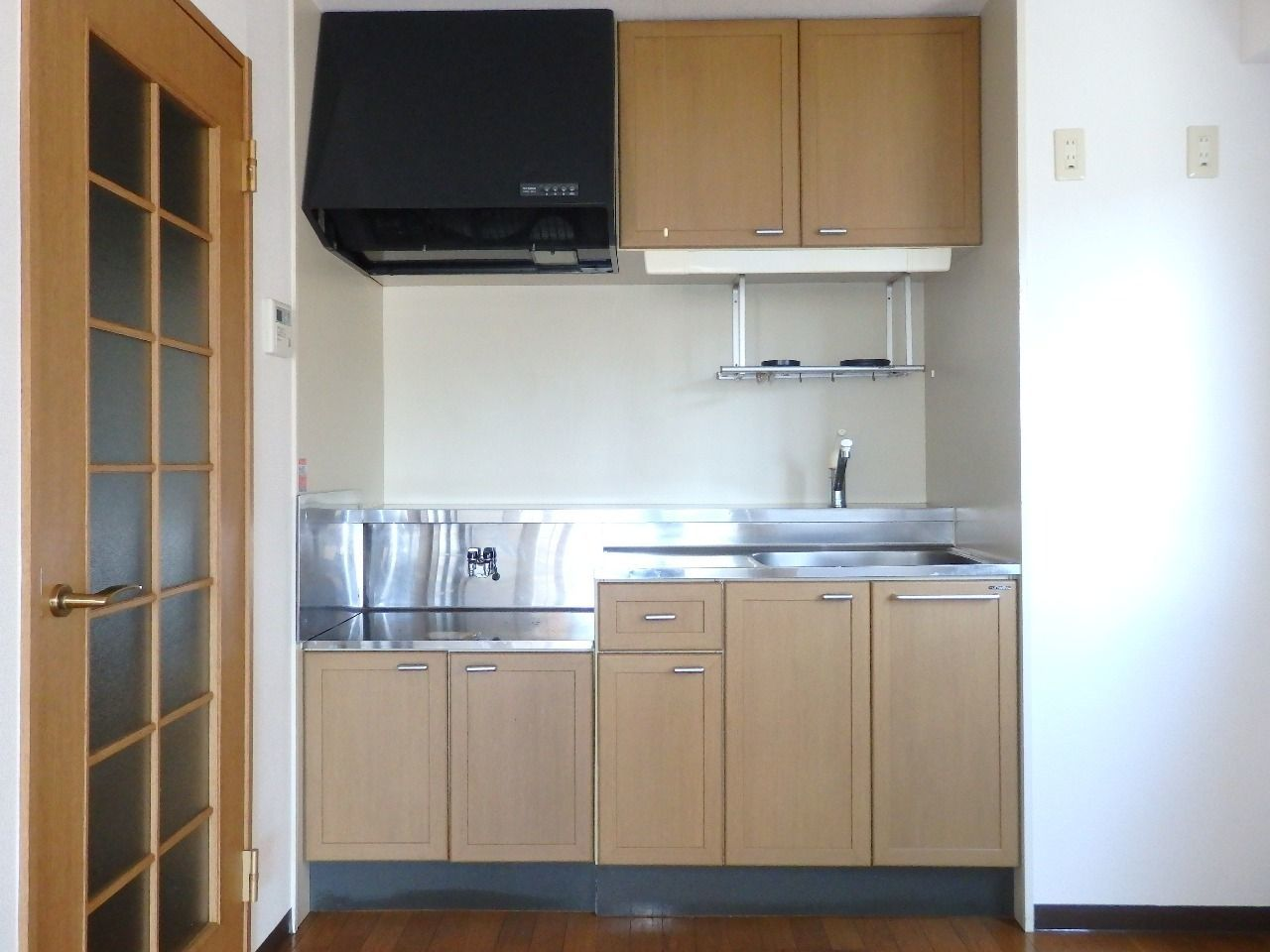 テーブルとキッチンとの距離がたのしい料理を作り出します。