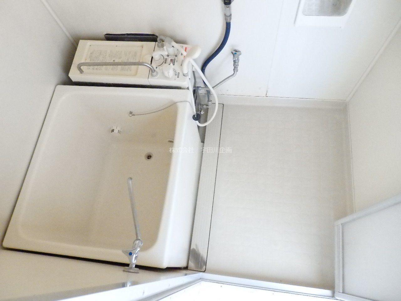 上から撮影してみた浴室です。