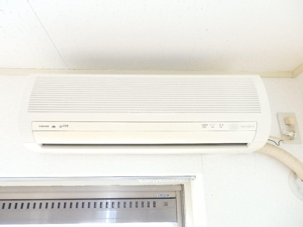 東芝製のエアコンです。