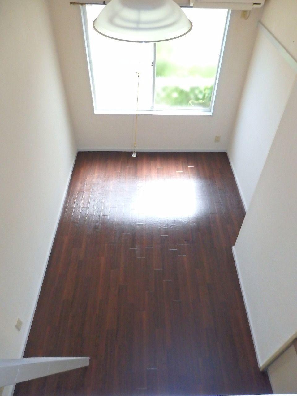 収納として利用すれば下の洋室は十分なスペースが確保できます。