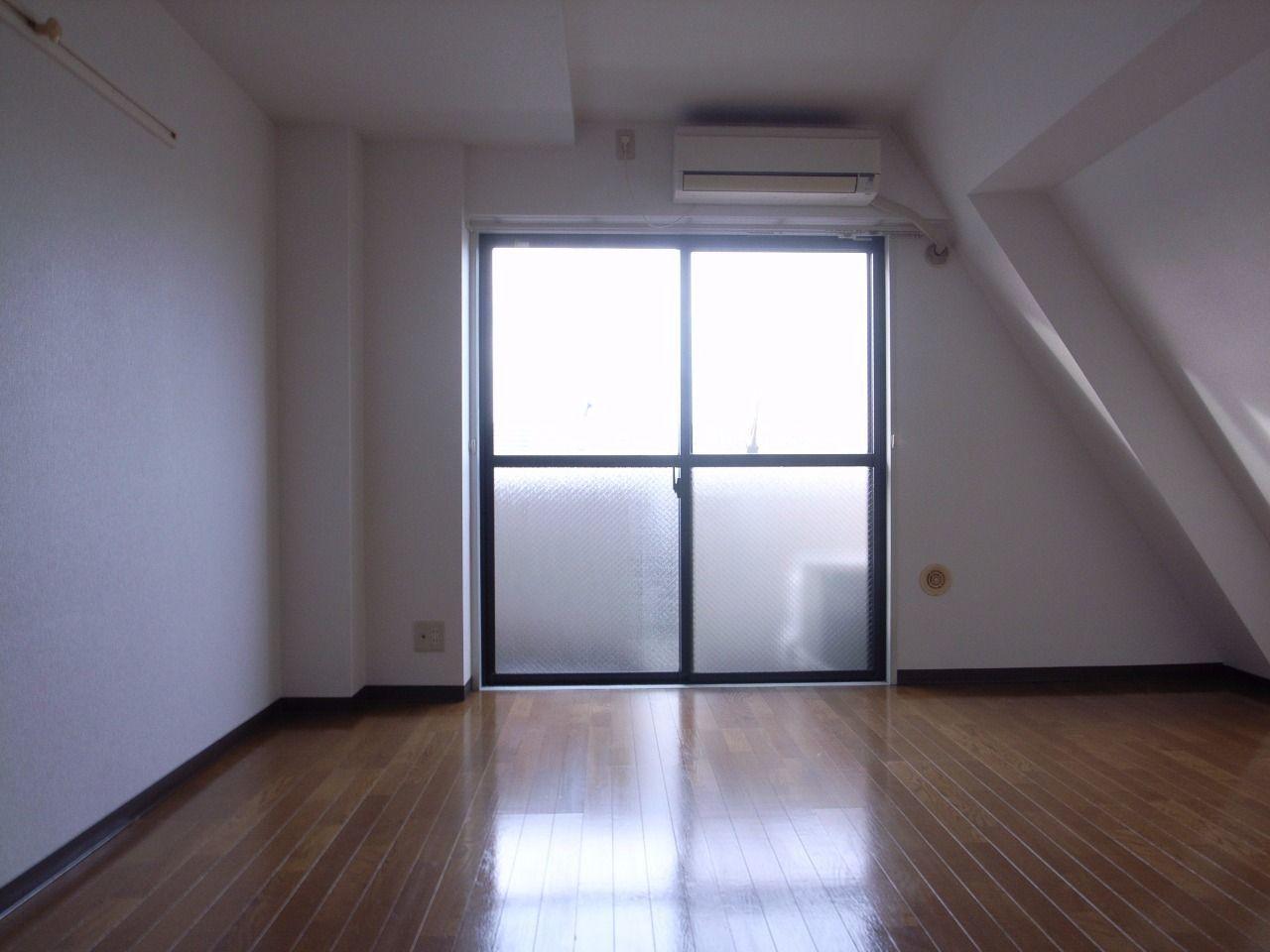 洋室の広さは贅沢です