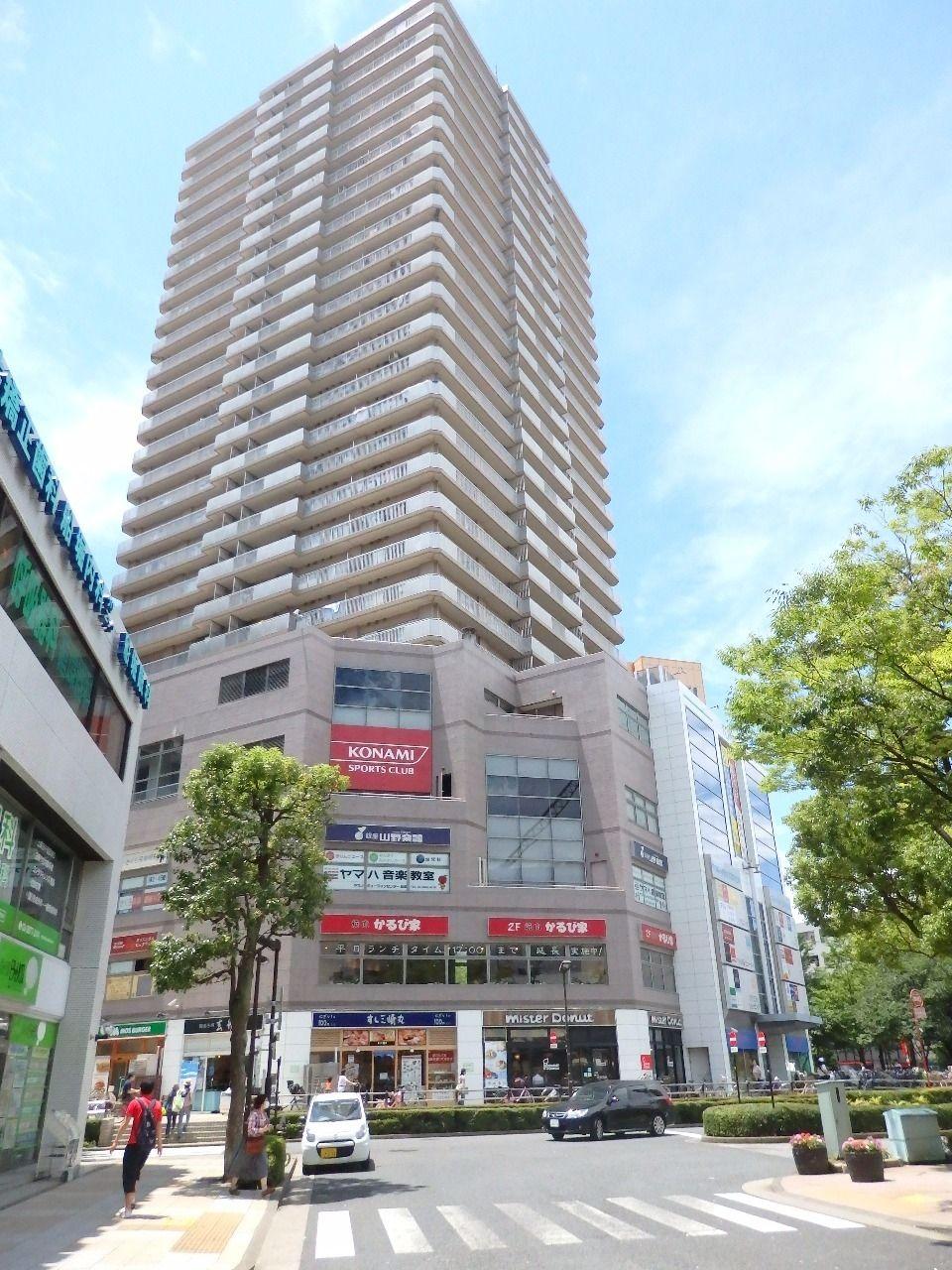 船堀駅前にある人気の複合型マンションです。