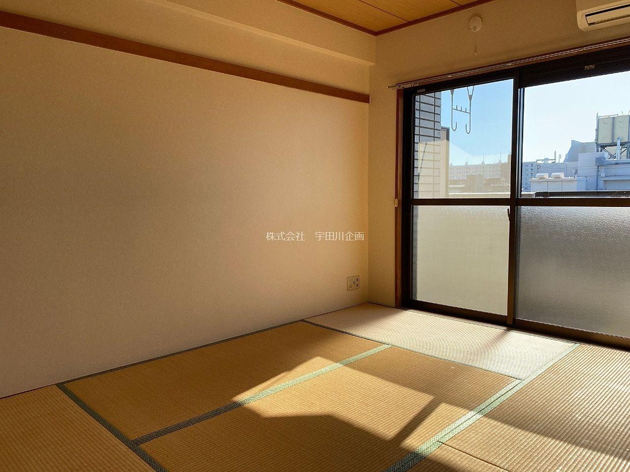 畳6帖。入居の際に表替えします。