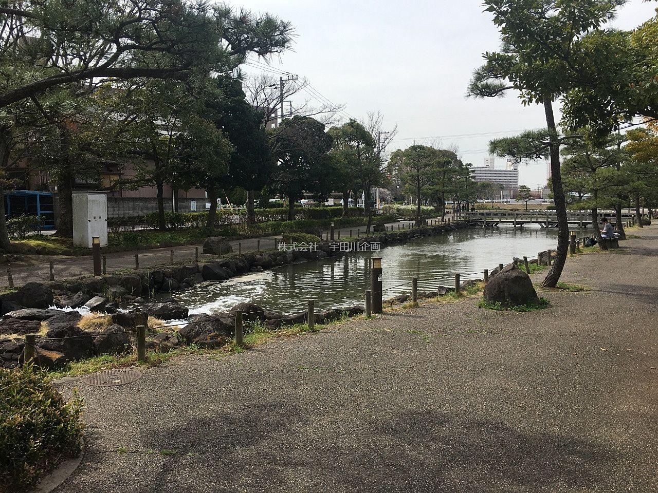 左近川付近の親水公園