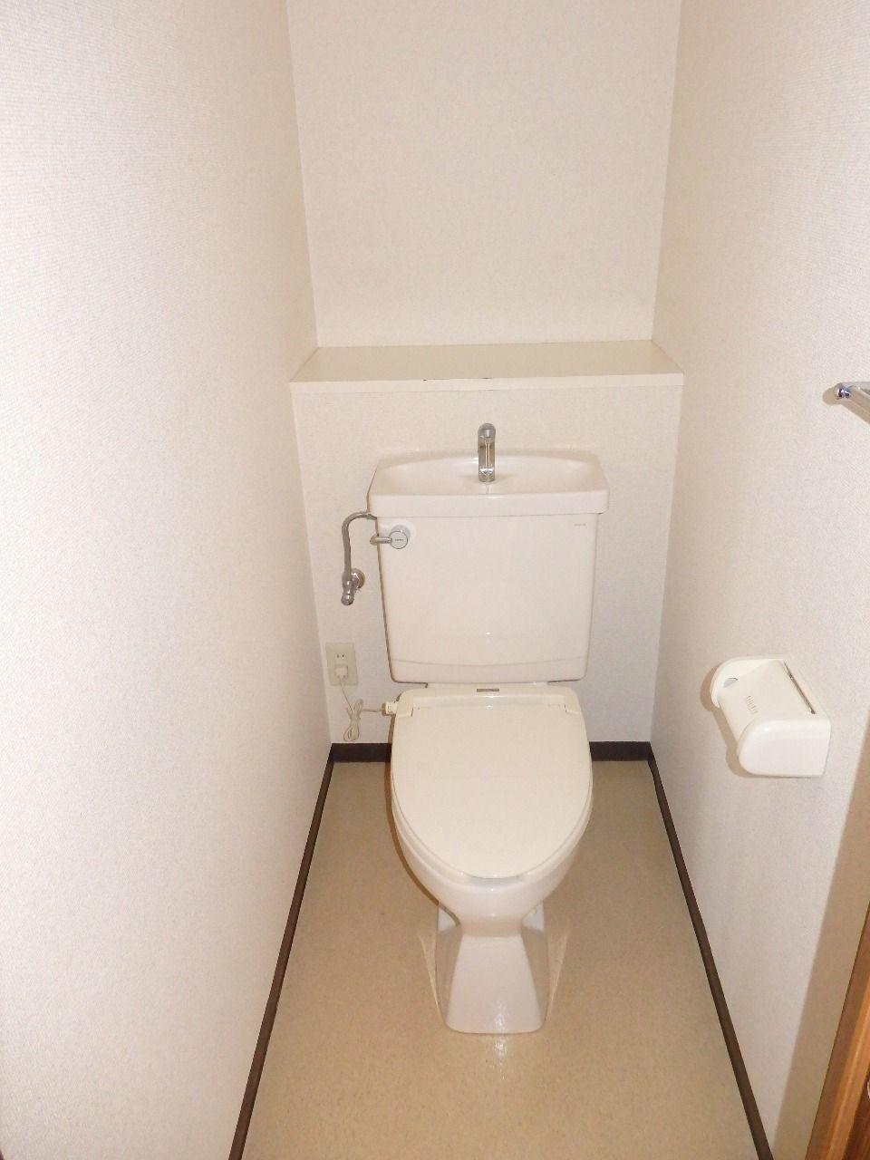 トイレ内コンセント有り