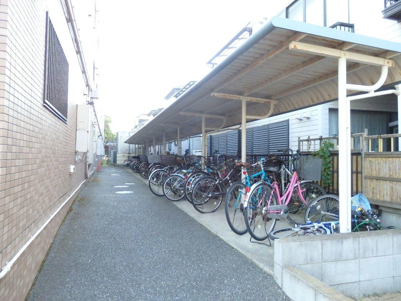 駐輪スペースも広いので出し入れがラクチンです。