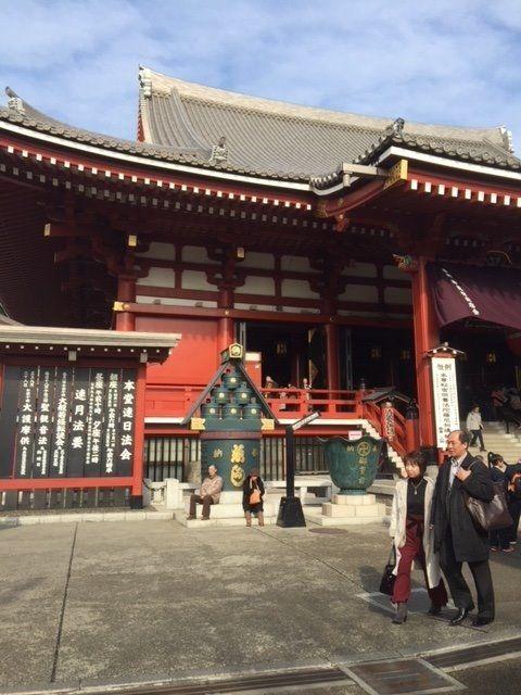 浅草寺にお参りに行きました。
